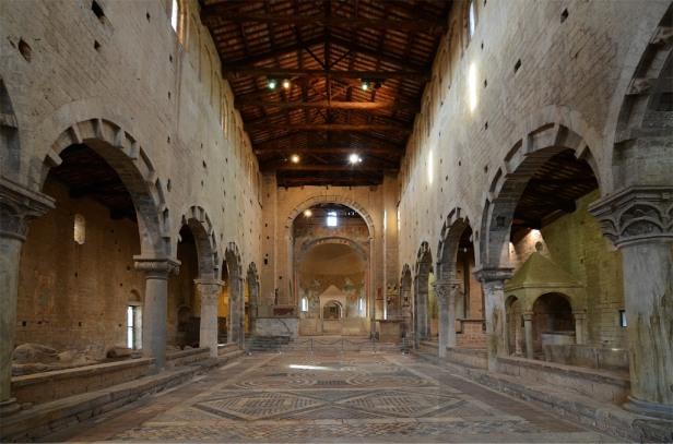 Chiesa_di_San_Pietro_Tuscania