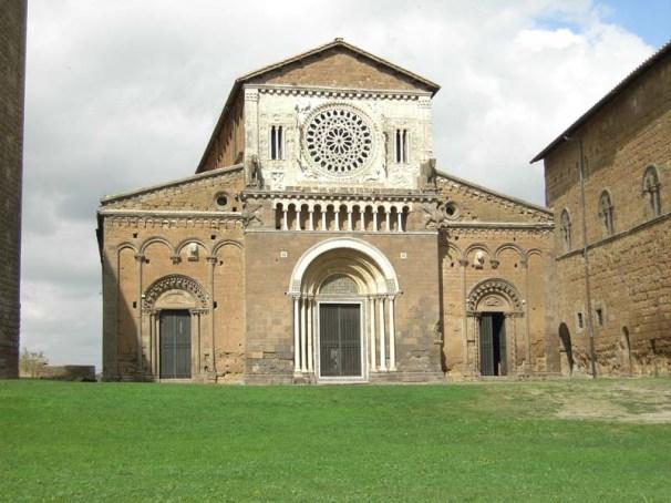tuscania_chiesa_san_pietro_facciata_7_immagine