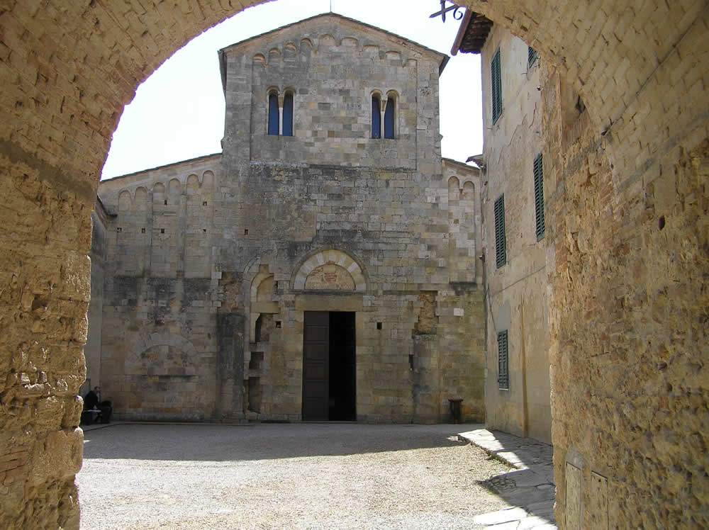 abbadia-a-isola-monteriggioni-siena-autore-e-copyright-marco-ramerini1