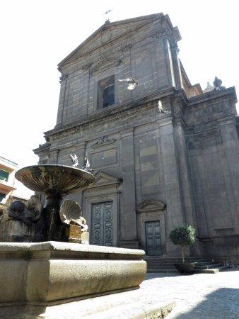 fontana-e-facciata