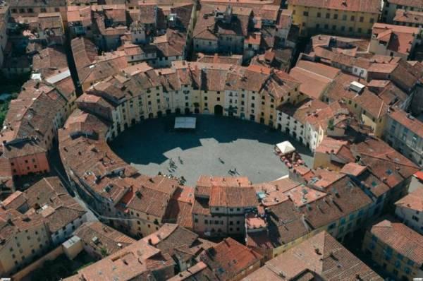 piazza-anfiteatro-vista-aerea